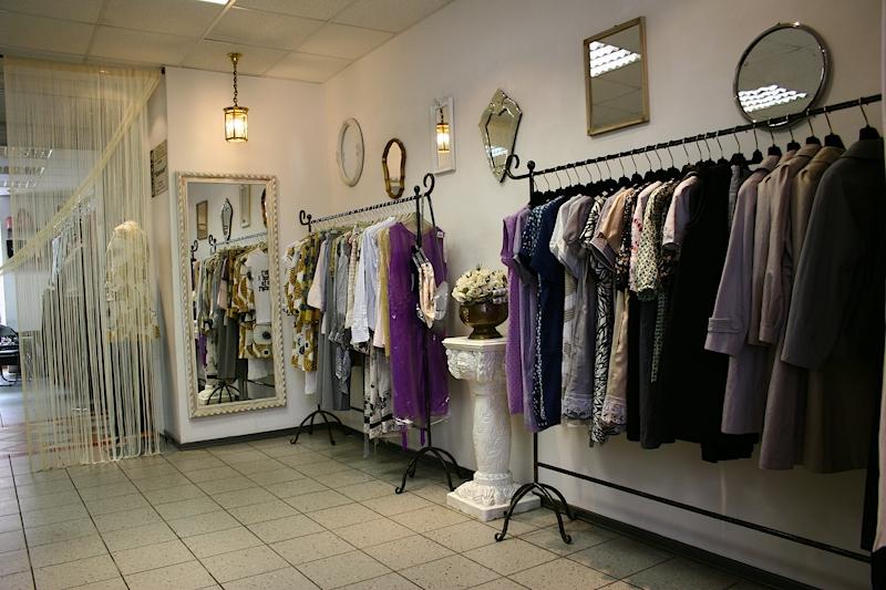 9437c40c8e0 Аксессуары для магазинов одежды — наглядность и удобство при выборе ...