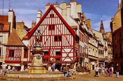 dijon_town_picture И снова Франция. Дижон, Париж, Эйфелевы Башни, Елисейские поля и разные сорта пива