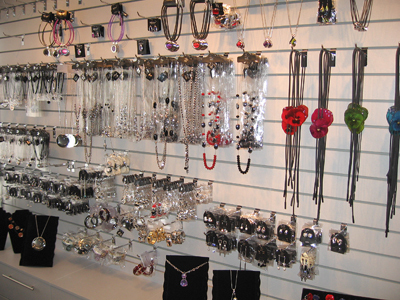 822233l36277gwhalplfqlsrkmf_nmmnsjplbinljyersdw600h600 Идеи для малого бизнеса: магазин авторской бижутерии