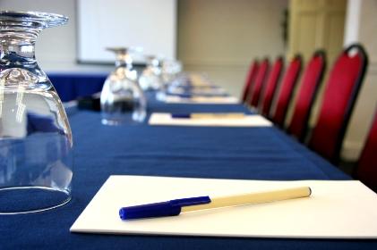 Conference-Table Мероприятия в МЛМ-бизнесе формируют мышление и создают профессионалов сетевого бизнеса
