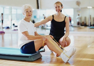 old-woman-sportpostfull Бизнес идеи: организация Клуба для стариков