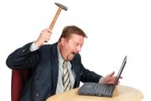 angry-pc-user-220x147 Заработок в сети: как не быть рабом своего сайта