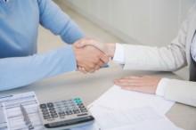 handshake-220x146 Как получить гсударственные субсидии на открытие малого бизнеса