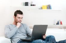 young_man_working-220x146 Как начать работу в интернете на дому: 5 рекомендаций