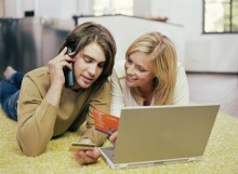 young-couple-credit-220x161 Как легально заработать деньги в сети Интернет?