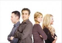 4etyre_4eloveka1-220x151 Как создать сообщество клиентов в Google Groups