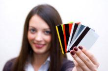 35-220x146 Можно ли получить кредитную карту в 18-летнем возрасте