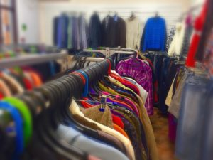 odezhda_second-300x225 Идея для бизнеса: Открытие магазина одежды секонд-хенд