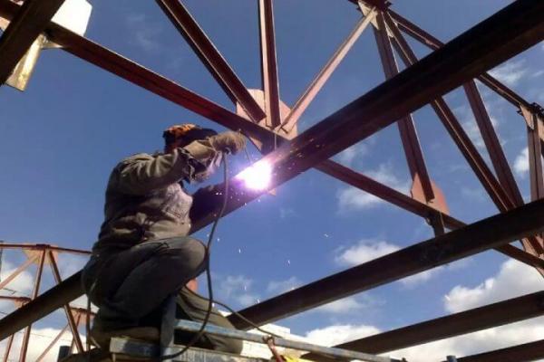 metall3-768x480 Процесс демонтажа металлоконструкций на производстве