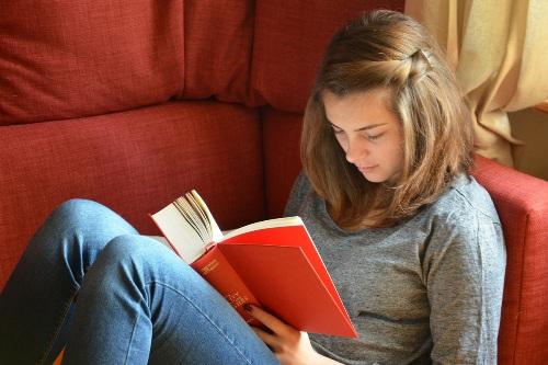 Chetene-na-kniga Несколько причин, почему читать стихи полезно